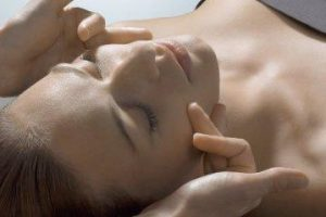 facial_treatments_image__84159.1400716193.500.500